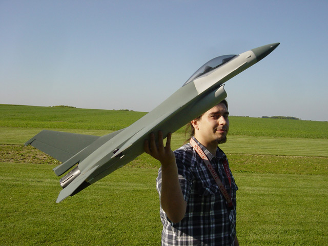 Christopher mit F-16